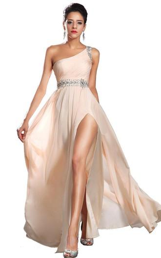 Вечерние платья светлых тонов