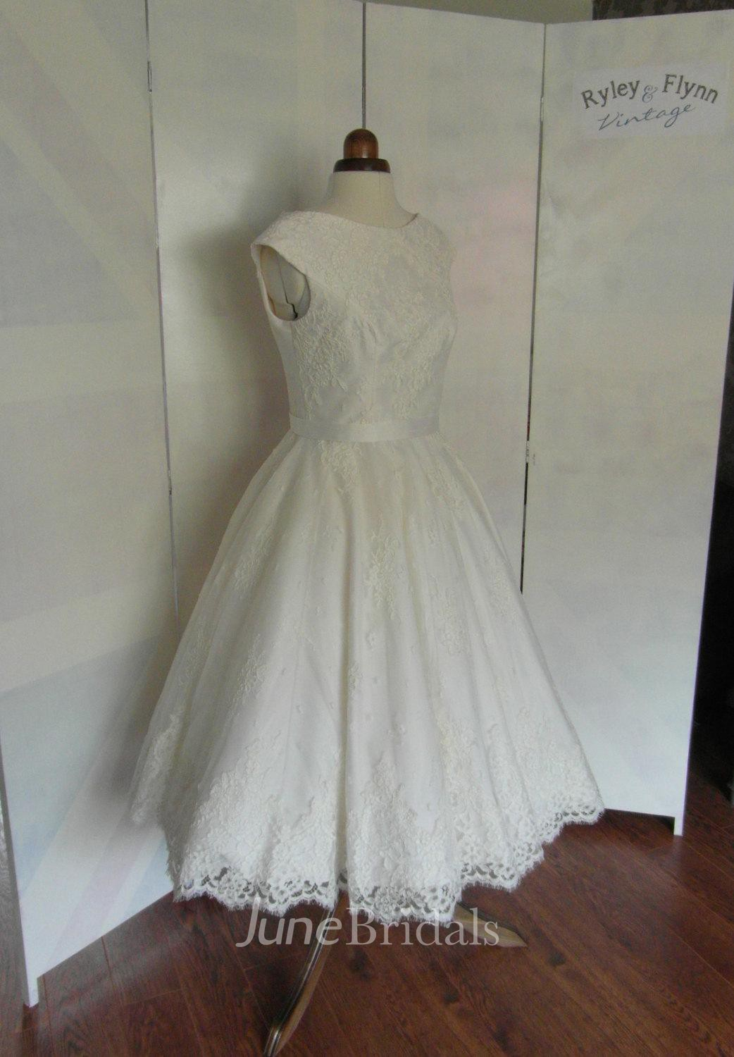 Cap sleeve jewel neck a line pleated rose lace tea length for Tea length lace wedding dresses cap sleeves
