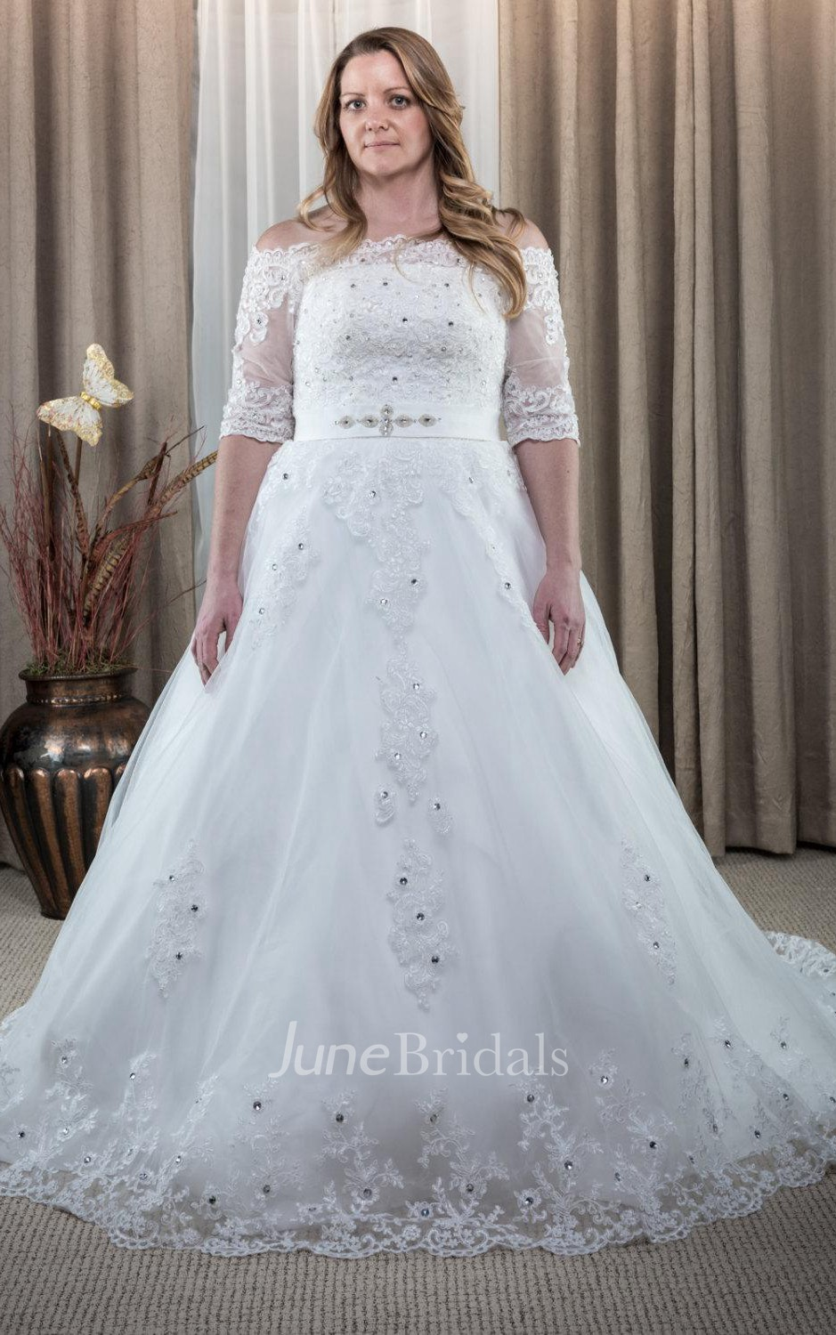Ball gown tulle lace dress with appliques lace up back for Plus size wedding dress store