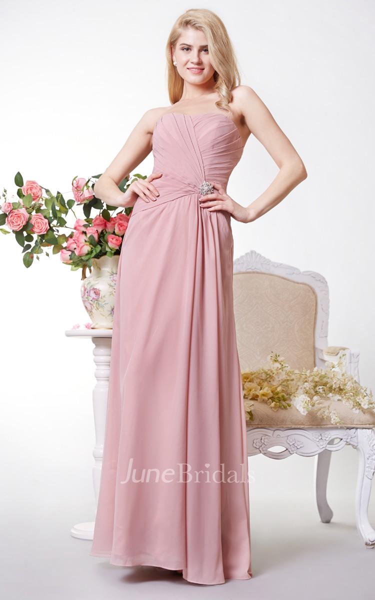 8e9b930f28 Vestido lindo y plisado con escote corazón y brillos hasta el suelo de gasa