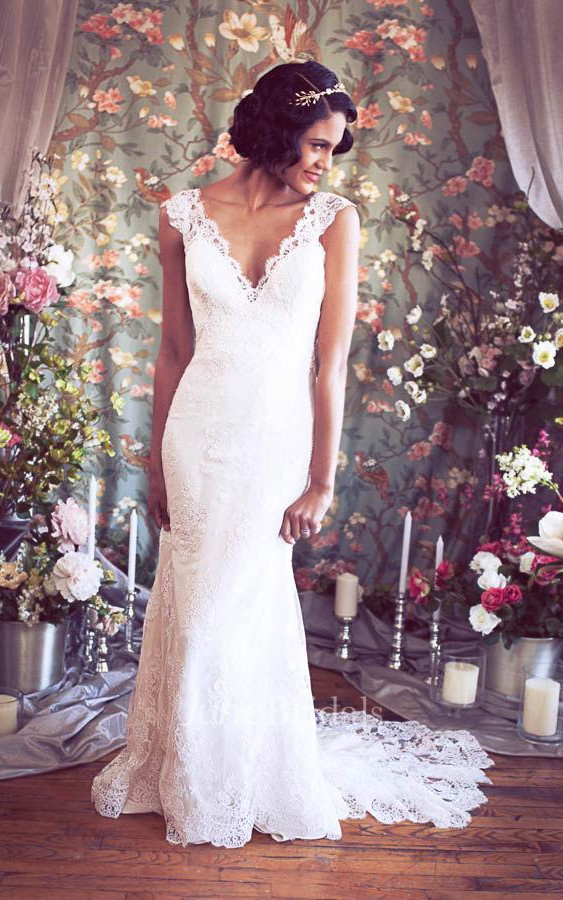 Cheap Wedding Gowns Toronto: Long Cap Sleeves Mermaid Lace Wedding Gown With V-Neck