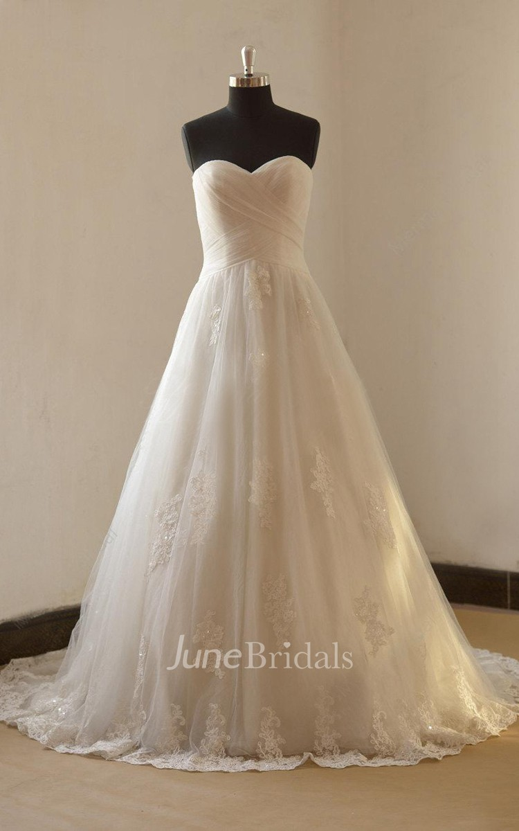 Romantic a line lace wedding with sweetheart neckline for Discount wedding dress stores near me