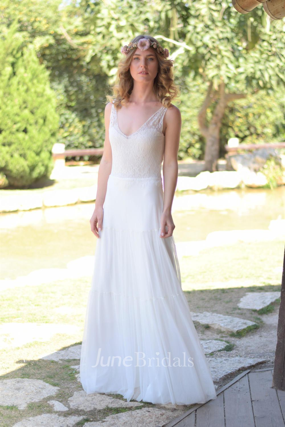 Plunged Sleeveless Chiffon Wedding Dress With Lace And