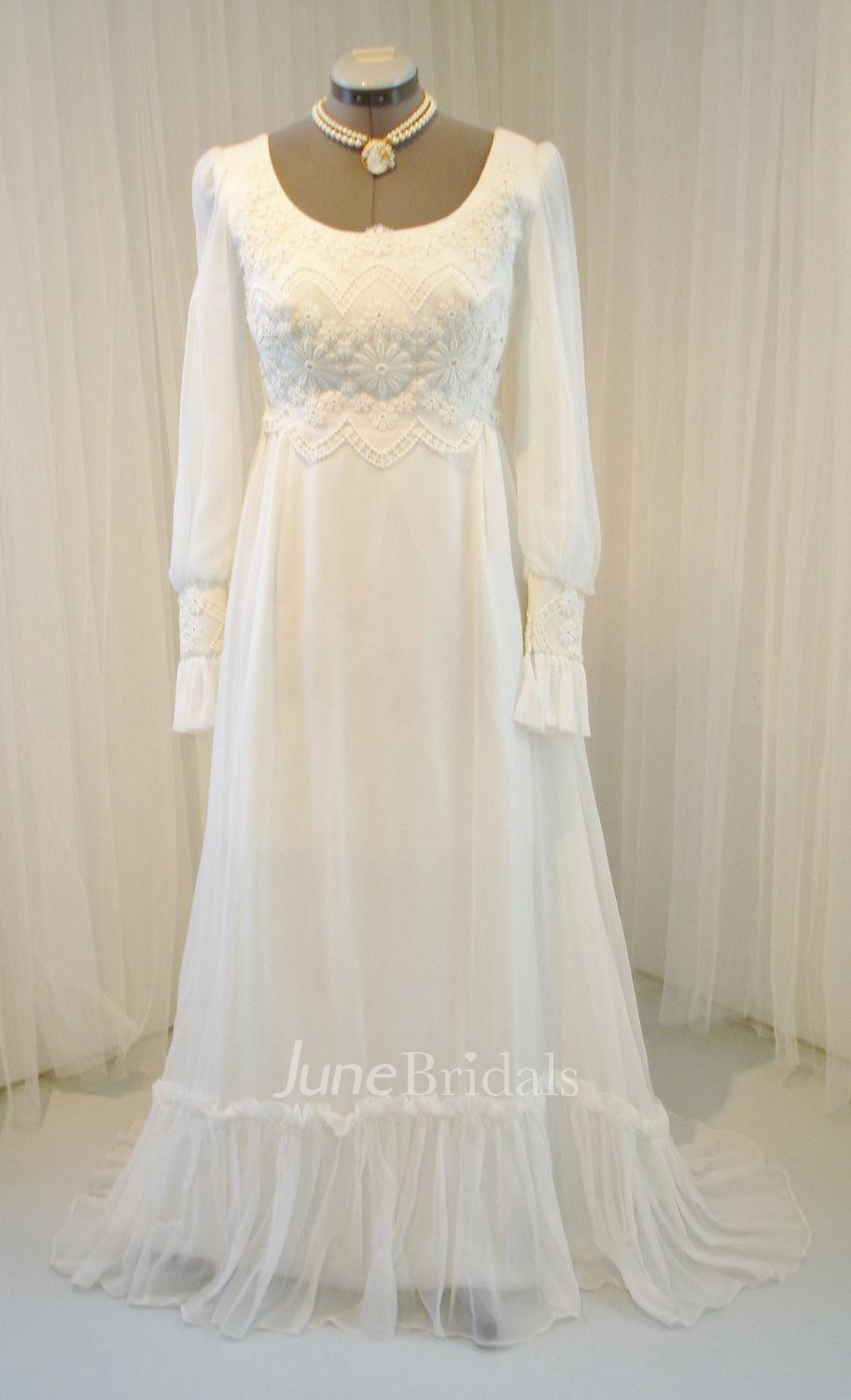 Vintage long sleeve scoop neck chiffon and lace wedding for Off the rack wedding dresses melbourne