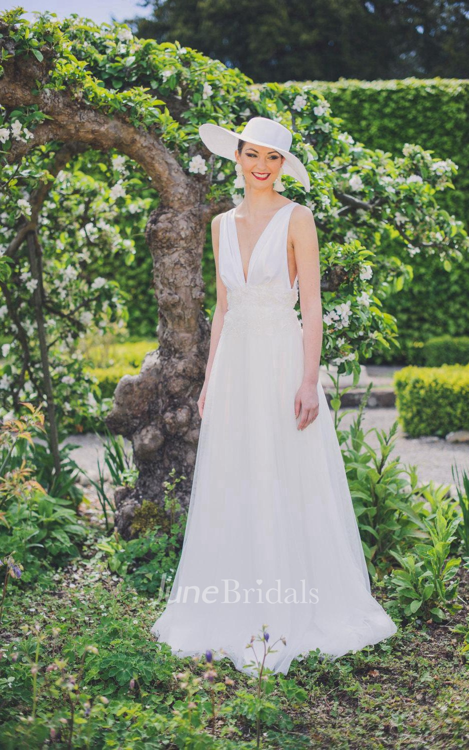 Monroe inspired wedding with delicate french beaded trim for Wedding dress trim beading