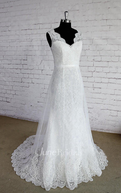 Double Layered V Neck Sleeveless Lace Wedding Dress With