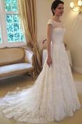 A-Line Princess Sleeveless Bateau Lace Court Train Wedding Dresses