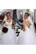 Elegant Sweetheart Sleeveless Tulle Wedding Dress With Lace Appliques
