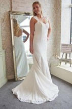 V-Neck Sleeveless Lace Mermaid Wedding Dress With Keyhole Back
