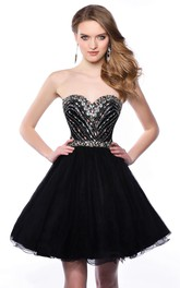 Tulle A-Line Sweetheart Short Homecoming Dress With Glimmering Corset