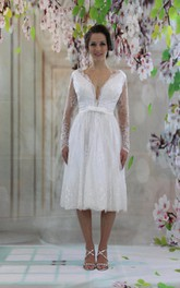 Knee-Length V-Neck Tulle Lace Satin Weddig Dress