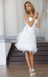 A-Line Knee-Length Ruffled Strapless Tulle Wedding Dress With Flower And Draping