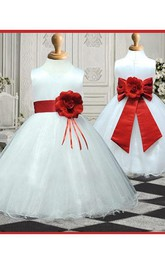 A-line Princess Scoop Sleeveless Hand-made Flower Floor-length Organza Flower Girl Dresses