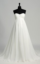 Floor-length Court Train A-line Sweetheart Sleeveless Chiffon Maternity Weeding Dress