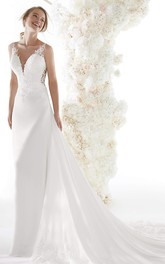 Lace Appliqued Backless Sexy Plunging V-neck Bridal Gown With Chapel Train