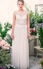 Scoop-Neck Cap-Sleeve Chiffon Pleated Wedding Dress With Keyhole