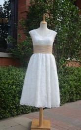 A-Line Short V-Neck Chiffon Lace Weddig Dress