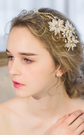 European-style Manual Beautiful Three-dimensional White Flowers Rhinestones Bead Headband