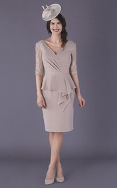 Elegant Chiffon Low-V Back Knee-length Mother of The Bride Dress