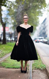 Modern Off-the-shoulder Black Princess Prom Dress Zipper Tea-length