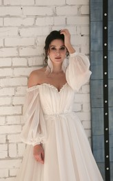 3/4 Off-shoulder Sleeves Sweetheart Elegant Chiffon Wedding Dress with Appliques