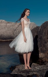 A-Line Knee-Length Scoop-Neck Cap-Sleeve Illusion Tulle Lace Dress