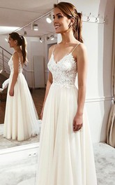 Simple Spaghetti Cute Bridal Dress With Lace Appliques And Ethereal Tulle Skirt