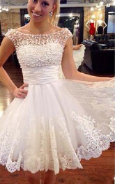 Appliques Summer Beach Vintage Sheer neck Short Sleeves Wedding Dress