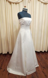 Strapless Button Back A-Line Floor-Length Satin Wedding Dress