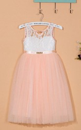 Sleeveless Scoop Neck Tulle&Lace Dress With Satin Sash