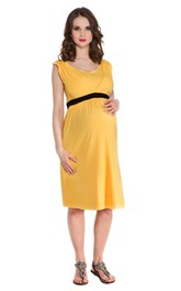Sleeveless Scoop Neck Knee-length Chiffon Maternity Dress