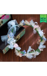 Manufacturers Wholesale New Holiday Flower Ring Head Decorated With The Stars Dry Flower Buds Children Show Wreaths