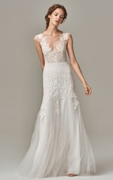 Elegant Lace Tulle V-neck Sheath Sleeveless Wedding Dress with Appliques and Deep-V Back