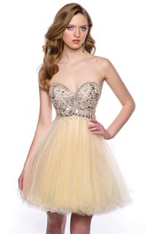 Tulle Sweetheart A-Line Short Homecoming Dress With Crystal Embellishment
