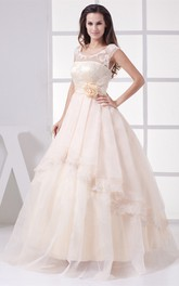Sleeveless Scoop-Neckline Illusion Sweetheart Dress with Lace Appliques and Side Draping