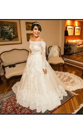 Fashion Off Shoulder Neck Long Sleeve Wedding Dress With Appliques