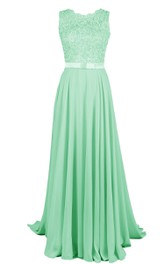 Scalloped Lace Appliqued Bodice A-line Gown With Band