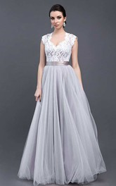 Queen Anne V-Neck Lace Tulle Wedding Dress With Keyhole