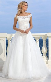 Off-The-Shoulder Long Bowed Appliqued Tulle Wedding Dress