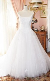 Vintage Spaghetti Strap Pleated Tulle Wedding Gown With Corset Lace Bodice