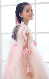 Princess Ruffled Lace Tier Tulle Flower Girl Veil with Bow