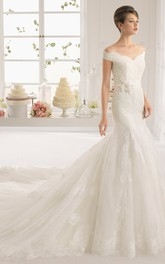 Trumpet Long-Sleeveless Off-The-Shoulder Lace Wedding Dress With Appliques And V Back