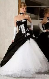 A-Line Sweetheart Organza Taffeta Floor-length Sleeveless Wedding Dress with Zipper and Corset Back