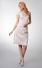 Elegant One-shoulder Satin Gown With Ruffled Cap-sleeve and Asymmetrically Ruching