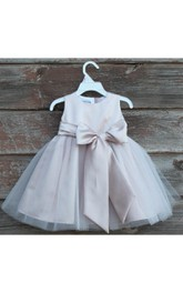 Elegant Blush Sleeveless Jewel Neck Bow Sash Pageant Petals Children Bridesmaid Dress