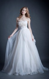 Straoless Sweetheart Wedding Dresses With 3-D Flower Ruffles