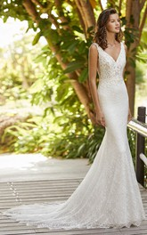 Elegant Sleeveless And Open Back V-neck Lace Mermaid Wedding Dress With Court Train