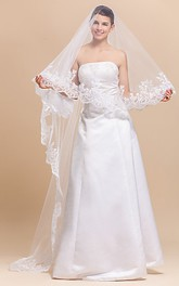 Gracious Mantilla One-tier Chapel Wedding Veil