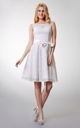 Bateau Neck Lace Knee-length Bridesmaid Dress