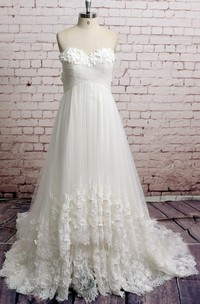 Sweetheart Flower A-Line Tulle Wedding Dress With Lace Hem